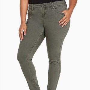 Torrid Size 14T Ultra Skinny Jeans
